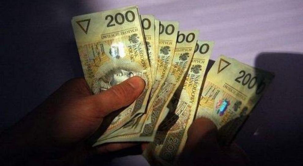 Zarobki wójtów i prezydentów: czy trzeba zgody na obniżkę pensji?