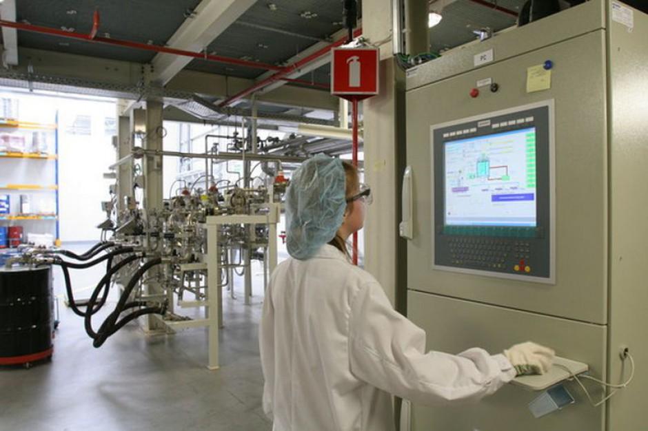 Plusy mobilnych aplikacji w sektorze chemicznym