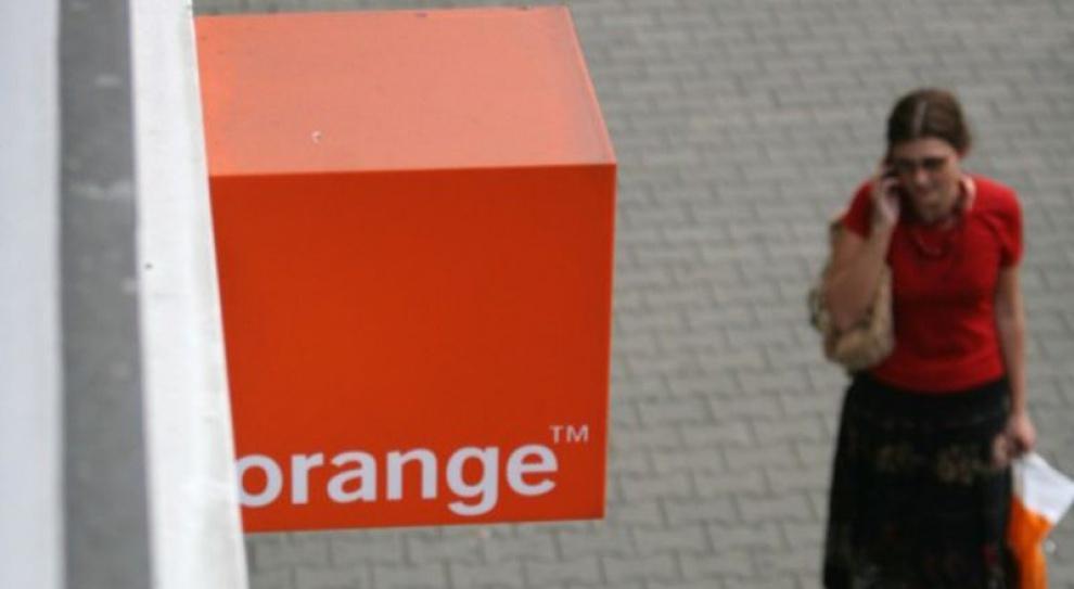 Wielkie cięcia w Orange