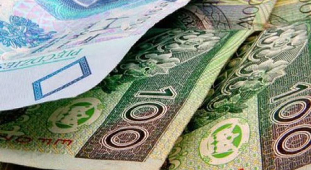 Specjaliści w Polsce zarabiają średnio 9,5 tys. zł. Najlepiej wyższa kadra zarządzająca
