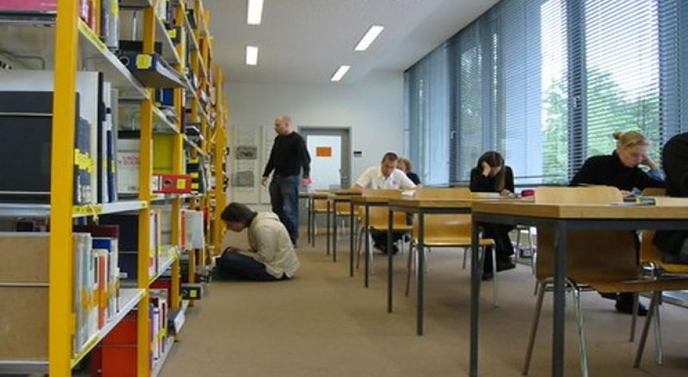 Poszukiwanie oszczędności może zniszczyć dorobek zawodowy nauczyciela bibliotekarza