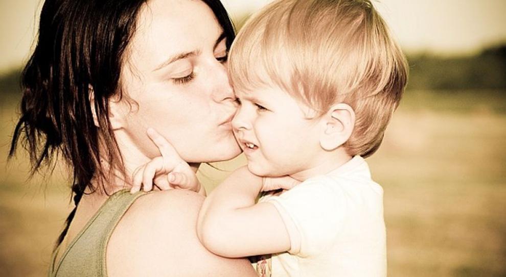 Trzynastki dla matek iojców w rękach posłów