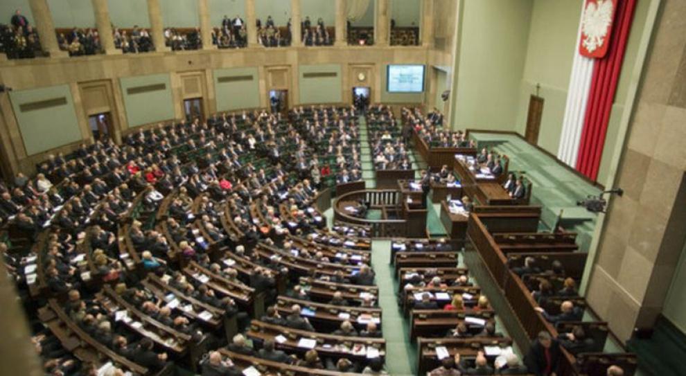 Senat: przerwy w pracy z powodu represji zaliczyć do okresów składkowych