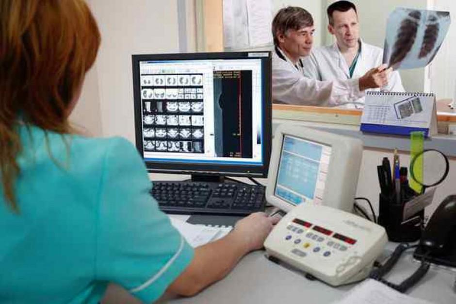 Ile zarabiają lekarze w Polsce?