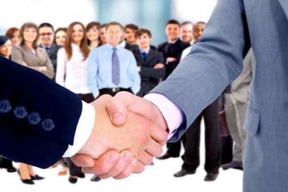 Jak się targować, by jednocześnie rekrutować?