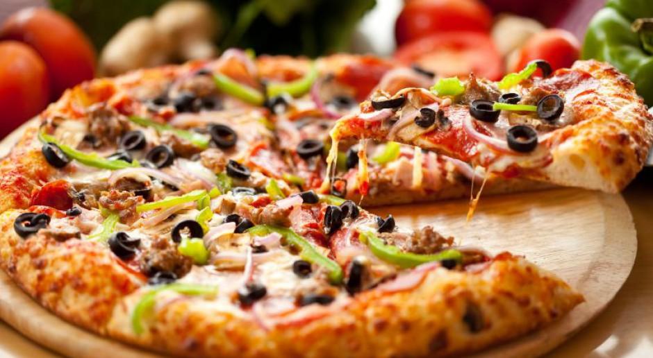Niepewny los włoskiej pizzy. Brakuje piekarzy
