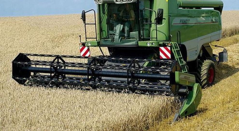 Śląśk: Rolnicy mogą zdobyć nowy zawód - operatora koparki i kierowcy