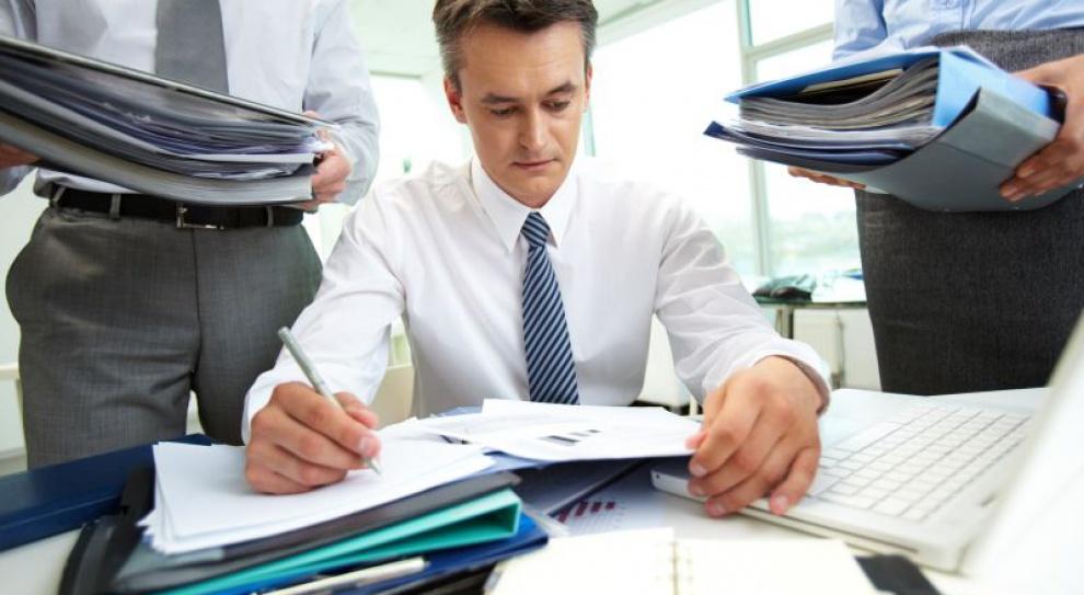 NBP: najbliższe miesiące bez podwyżek płac i rekrutacji w firmach