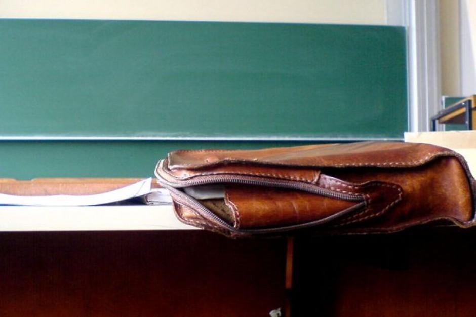 Nawet 10 tys. nauczycieli może pożegnać się z pracą