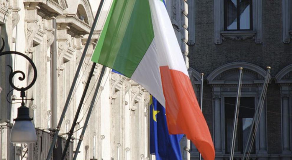 Włochy: natychmiastowa redukcja pensji ministrów-parlamentarzystów