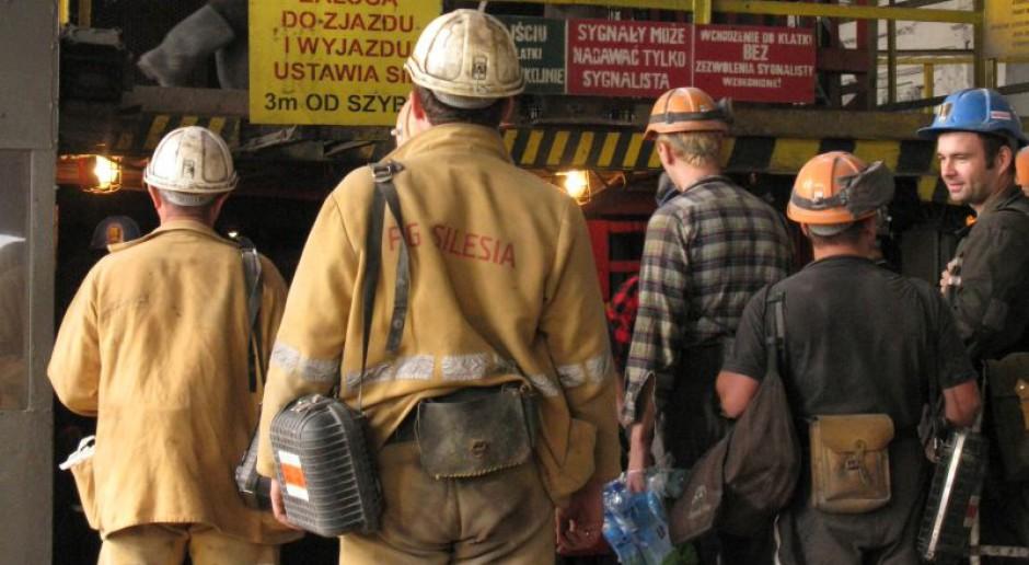 Górnicy lewymi zjazdami nabijają sobie emeryturę