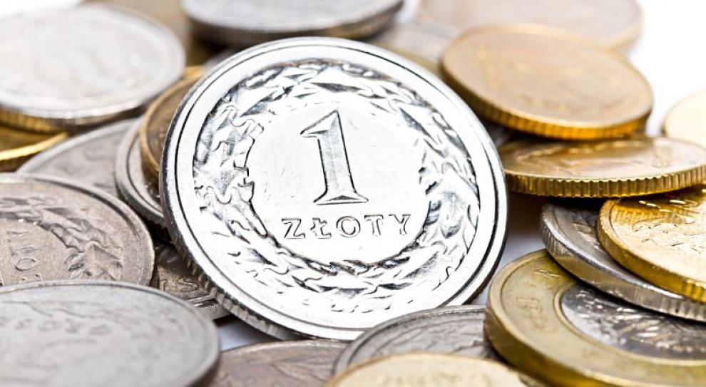 Przepaść w płacach Polaków coraz większa