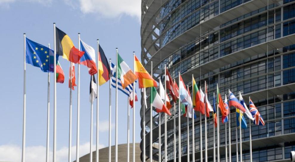 Szwajcaria utrzyma ograniczenia w dostępie do rynku pracy