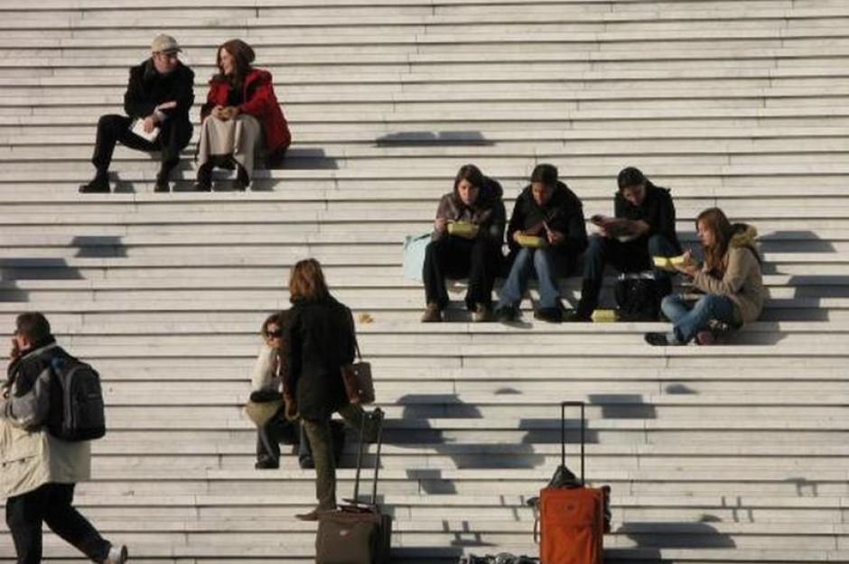 Coraz gorsza sytuacja młodych na rynkach pracy