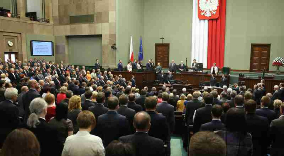 Cała opozycja za odrzuceniem informacji rządu o zwolnieniach grupowych