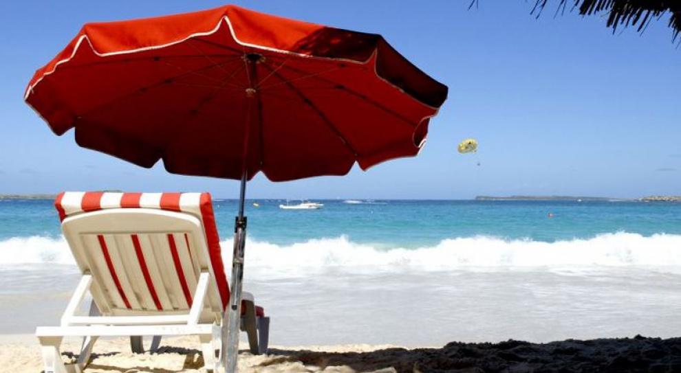 Europejczycy rezygnują z wakacji. Powód?