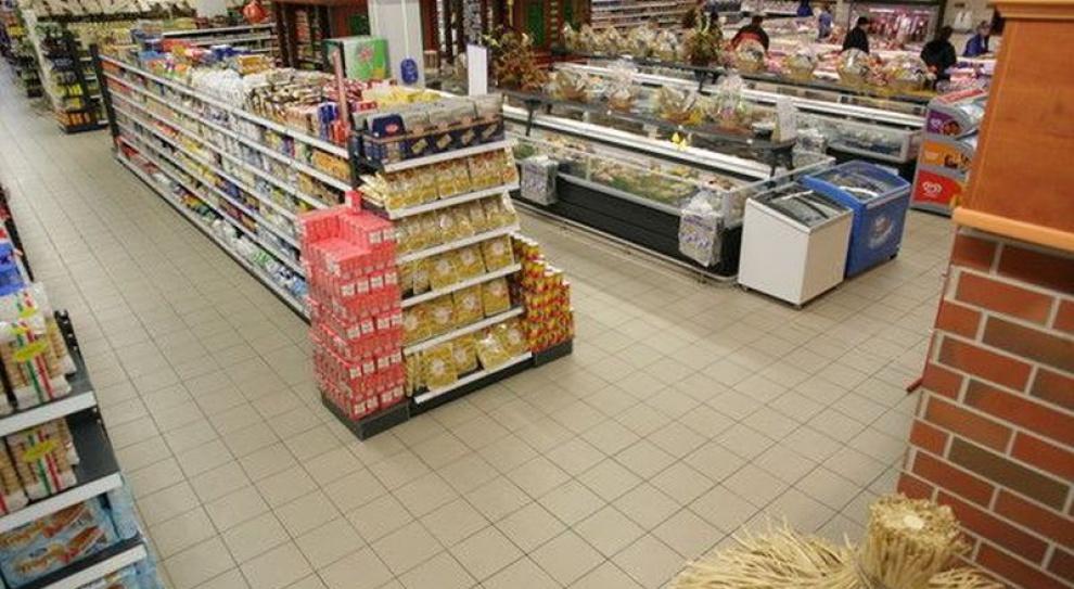 Niezapłacone godziny pracy w hiper- i supermarketach