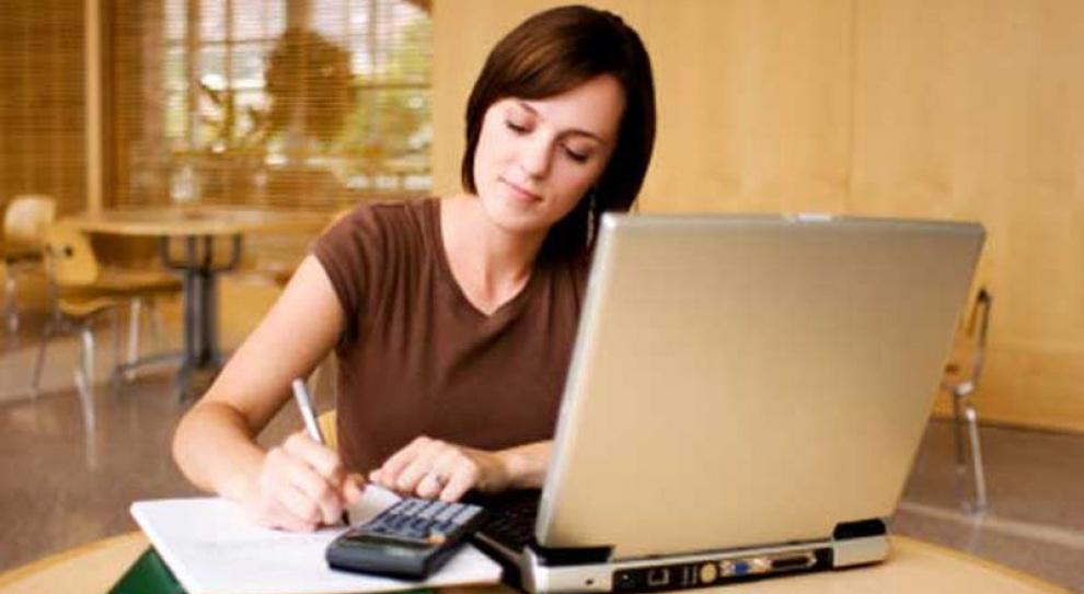 Wyjazd za granicę dziś, pomoże zdobyć wymarzoną pracę jutro. Tylko jak go sfinansować?