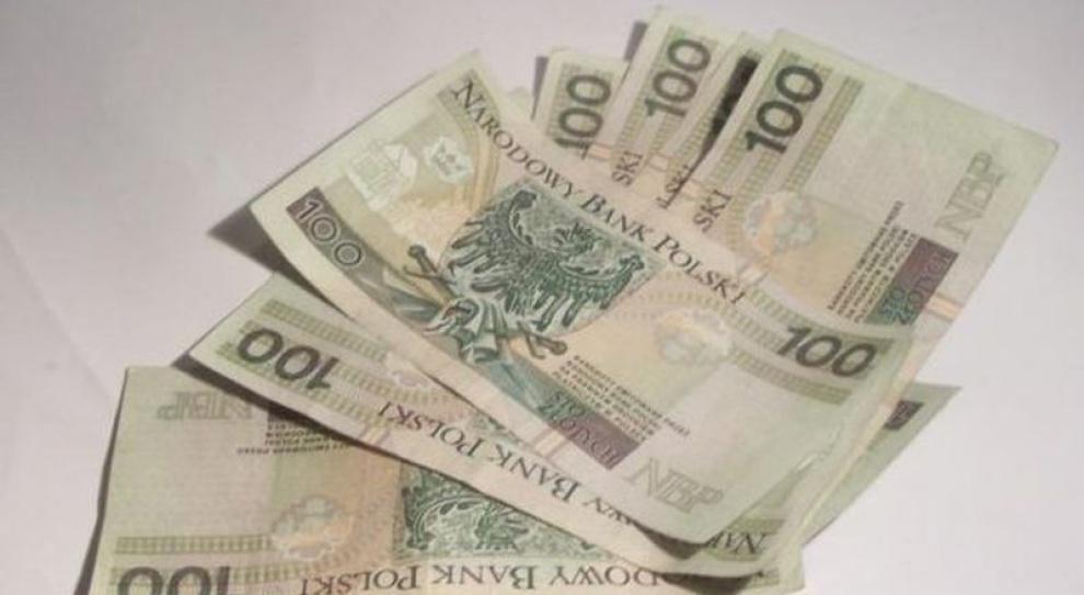 Wypłata w dwóch ratach dla pracowników Stoczni Gdańsk