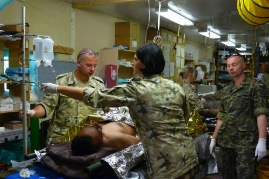 Farmaceuci w mundurze