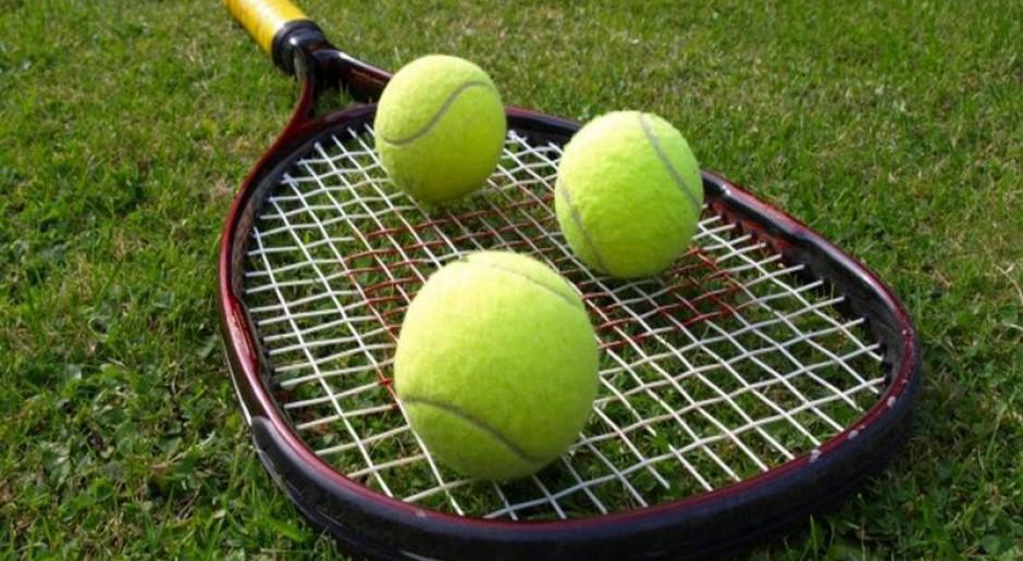 Ile można zarobić na korcie tenisowym?