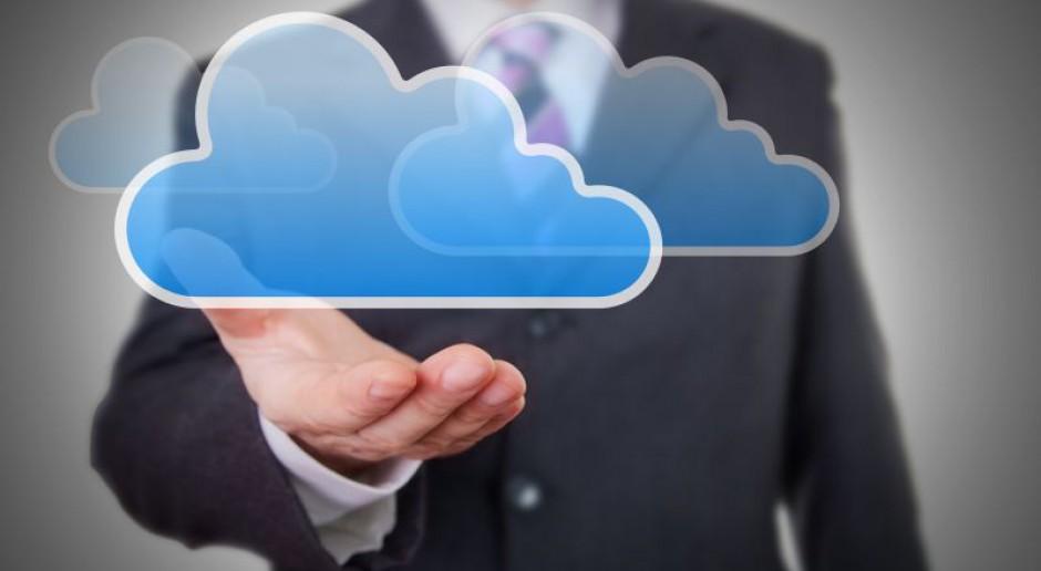 Chmurami i mobilnymi rozwiązaniami kadry stoją