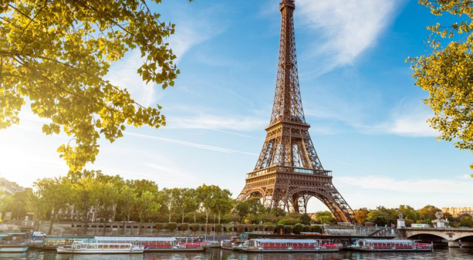 Raport: Wielu Francuzów może tylko marzyć o 35-godzinnym tygodniu pracy