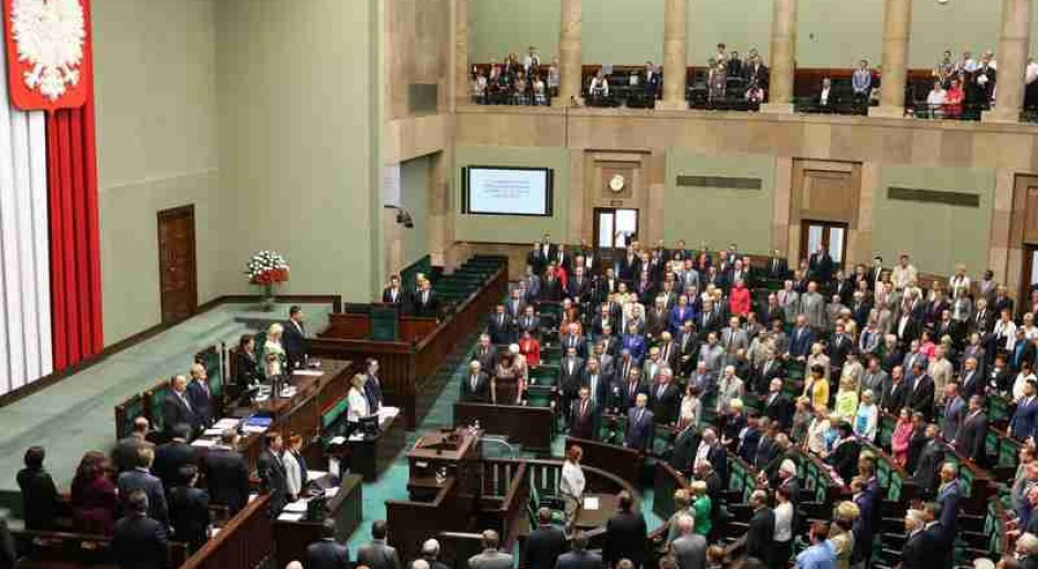 Opozycja krytykuje projekt PO dotyczący zmian w Kodeksie pracy