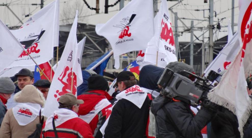 Duda apeluje, by nie utrudniać pracownikom wzięcia udziału w protestach
