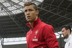 Po podwyżce Cristiano Ronaldo najlepiej opłacanym piłkarzem świata