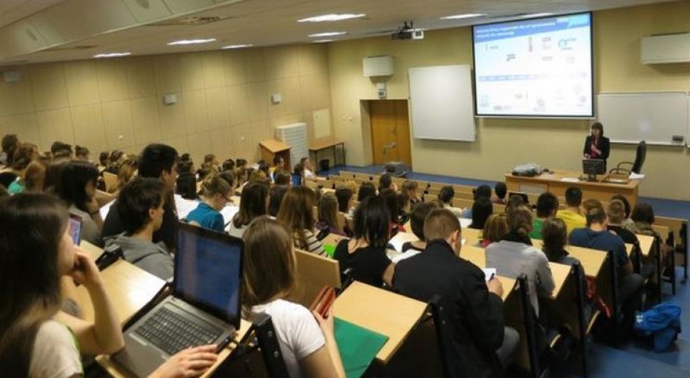 Pouczające spotkania biznesu ze studentami