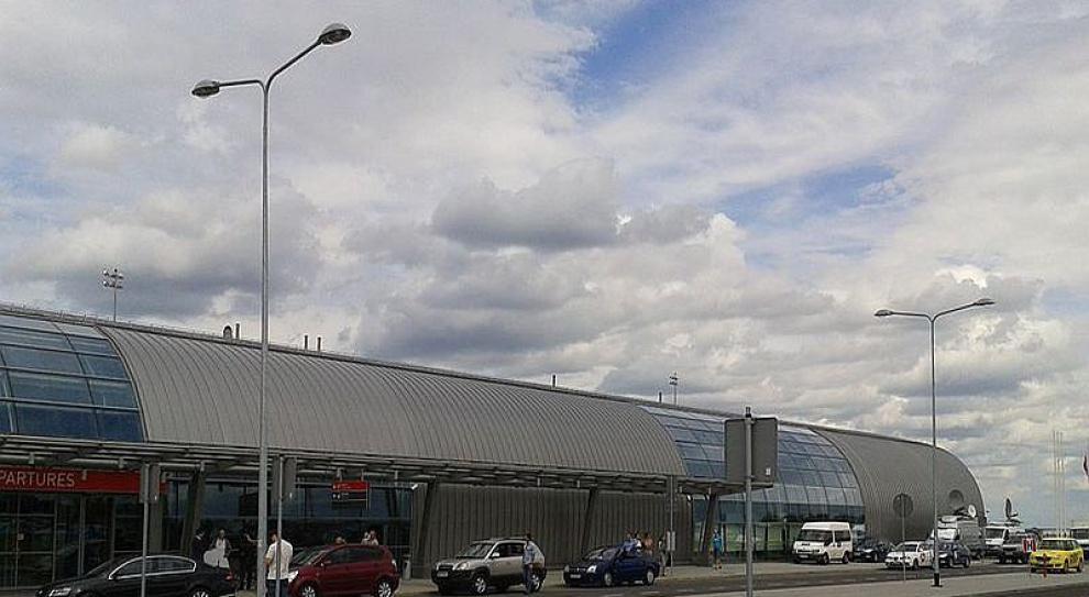 Zwolnią część pracowników lotniska w Modlinie