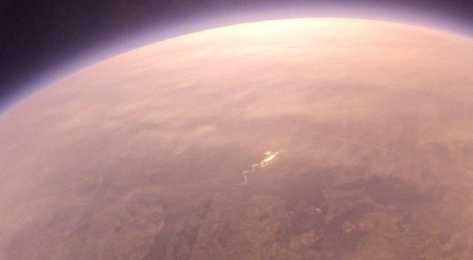 Cinkciarz.pl otwiera biuro w Londynie i wysyła pieniądze...do stratosfery