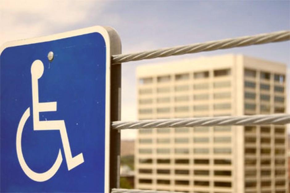 Mniej na wynagrodzenia dla niepełnosprawnych