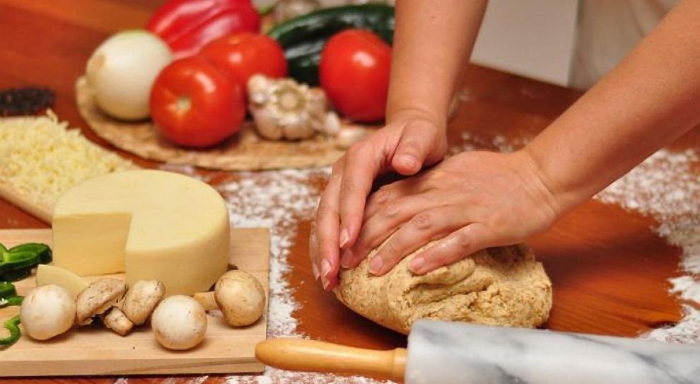 Kucharki szkolne uczą się zdrowego gotowania