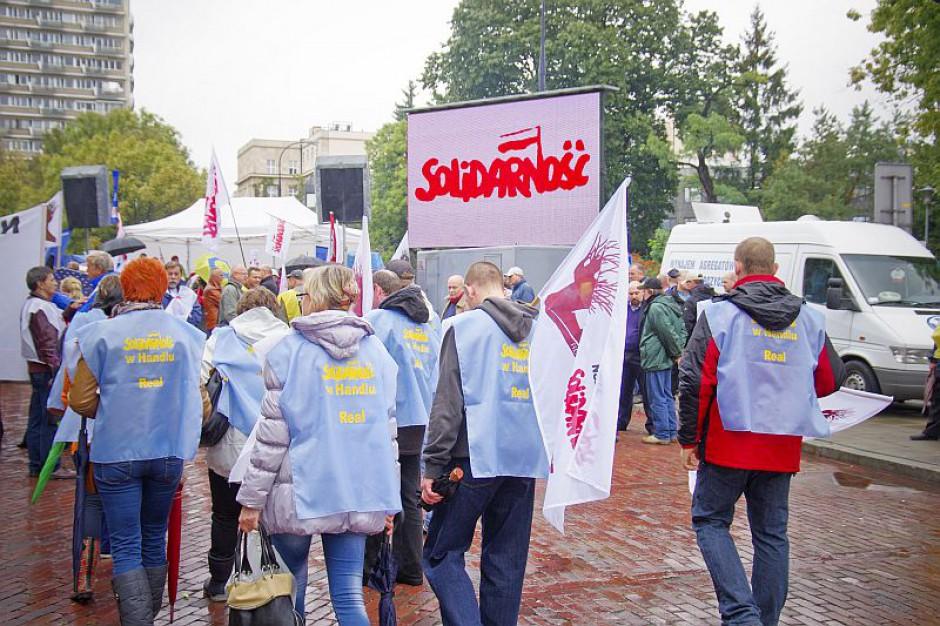 """Związkowcy szykują się do kolejnych """"antypracowniczych"""" protestów"""