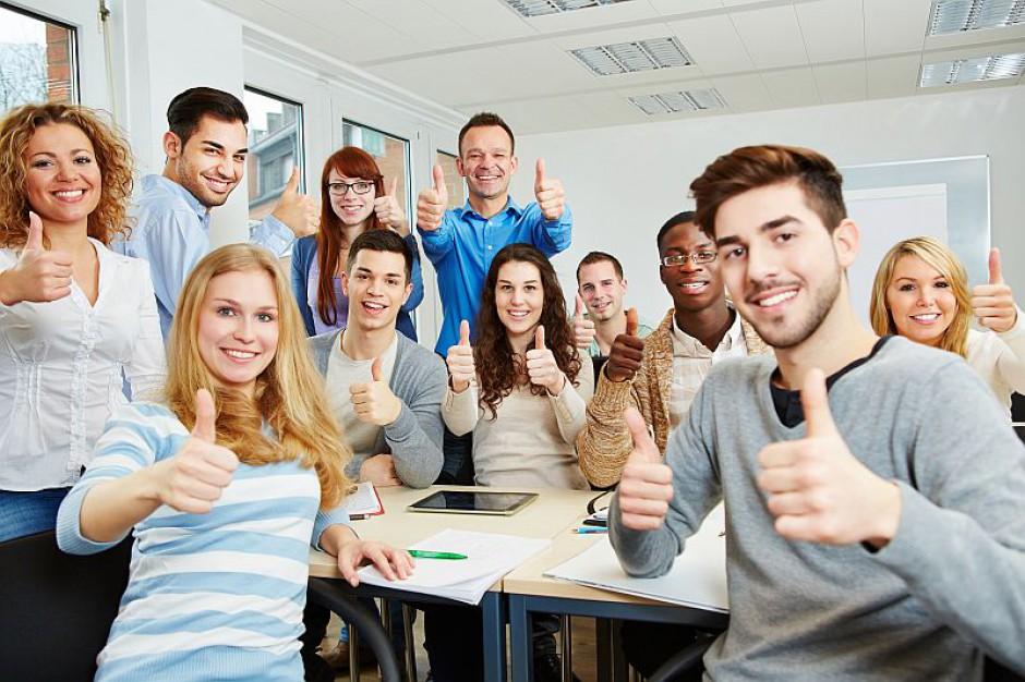 Firmy łowią talenty już na uczelniach