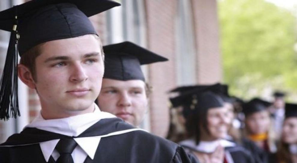 W urzędach dyskryminują absolwentów uczelni