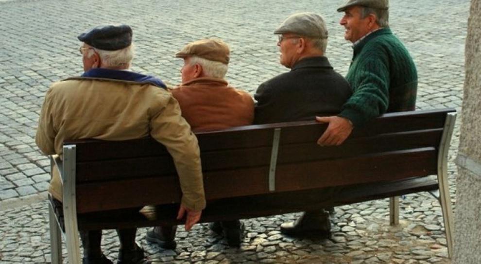 Zabraknie na leczenie i emerytury Polaków?