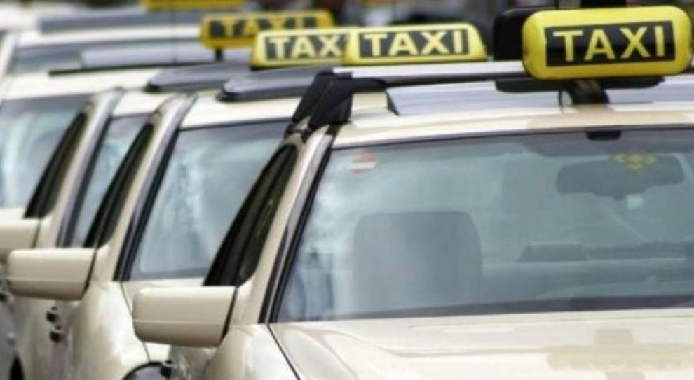 Szkolenia i egzaminy dla taksówkarzy nadal obowiązkowe