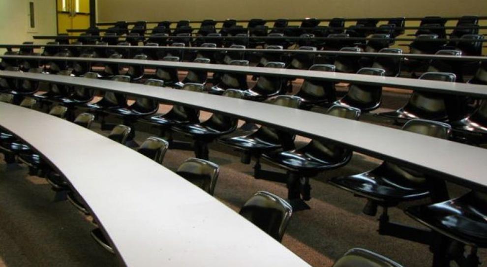 Prywatne uczelnie plajtują