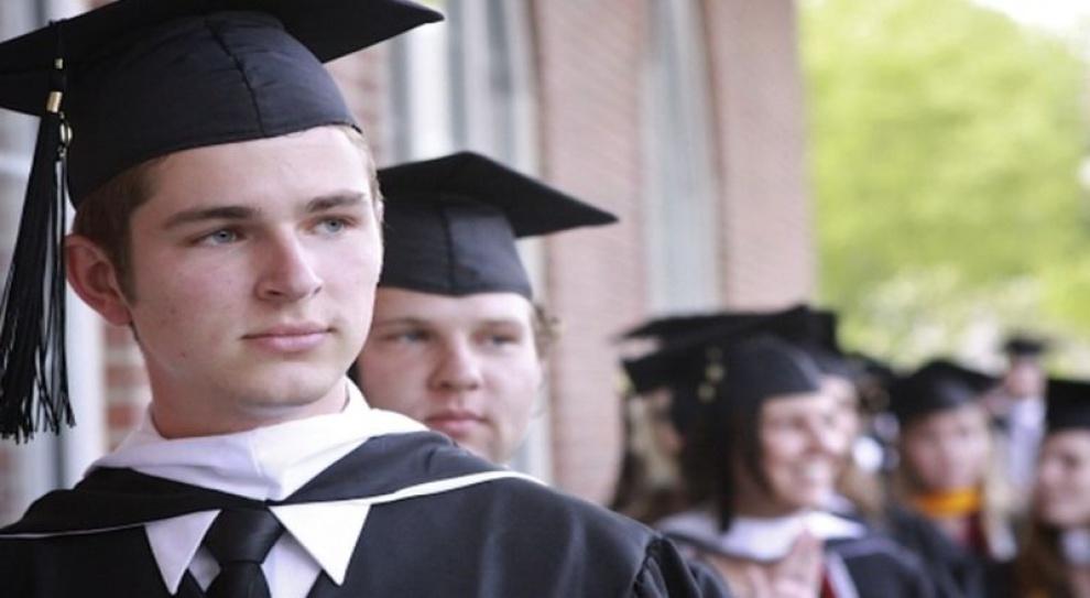 Po skargach studentów warszawska uczelnia zamyka kierunek studiów