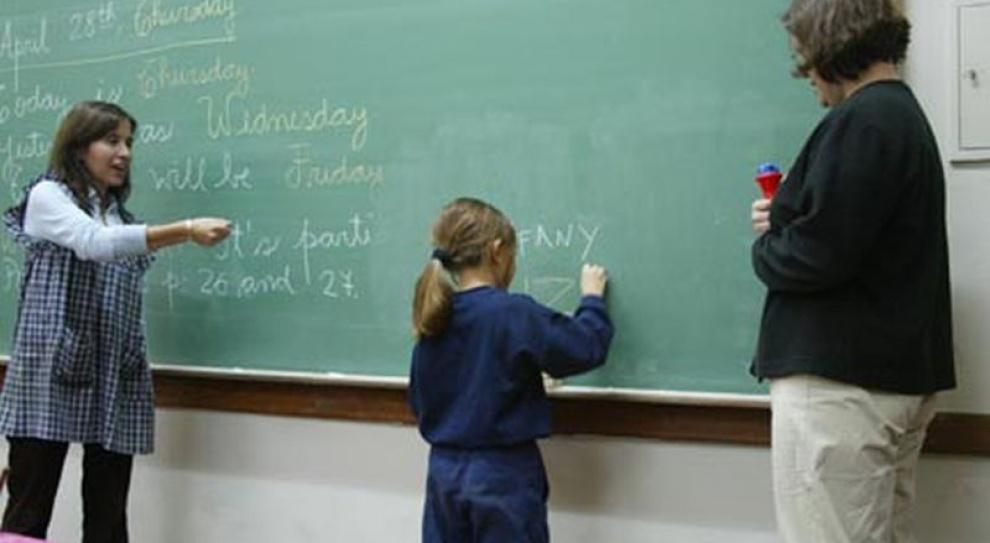 Marne płace i niski status zawodu zniechęcają nauczycieli
