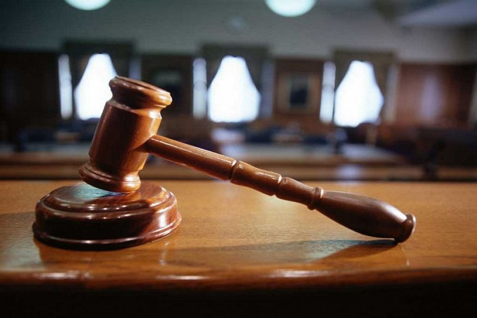 Obniżą wynagrodzenia sędziom i prokuratorom za przebywanie na chorobowym