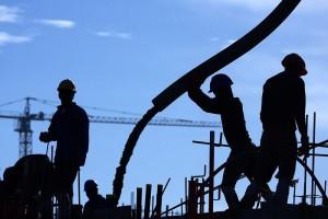 UE straciła 8 mln miejsc pracy w przemyśle. Jak je odzyskać?