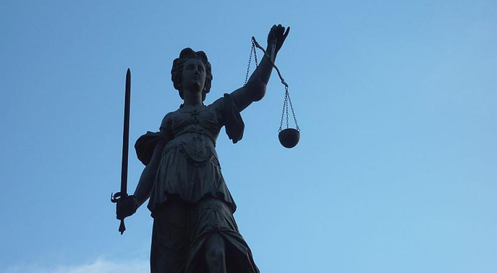 Sędziowie są aroganccy, spóźnialscy i niesprawiedliwi