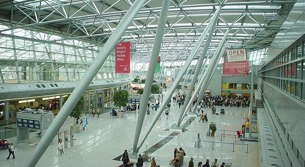 Strajk ostrzegawczy personelu lotniska w Duesseldorfie