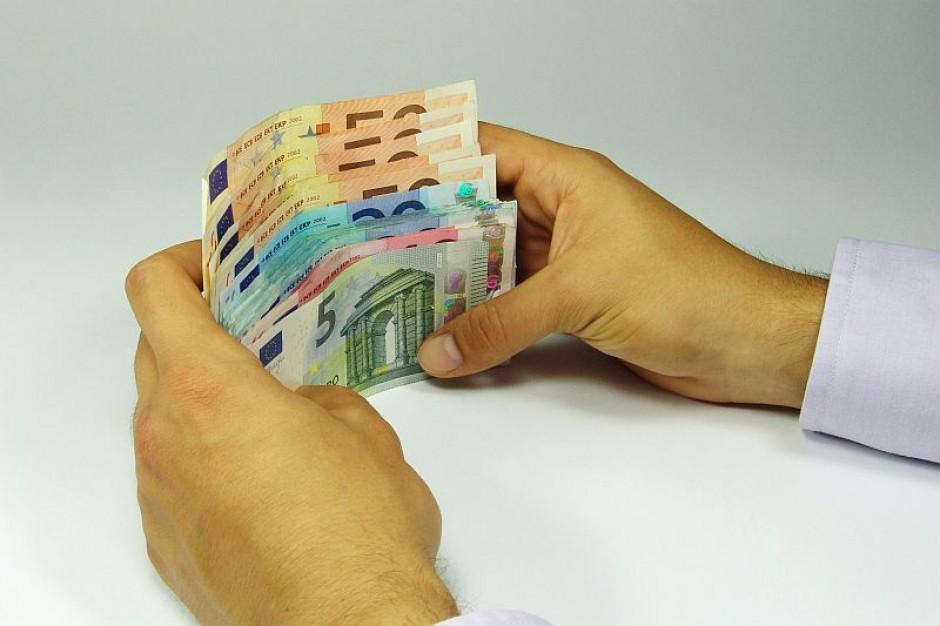 W których województwach najlepiej płacą za godzinę pracy?