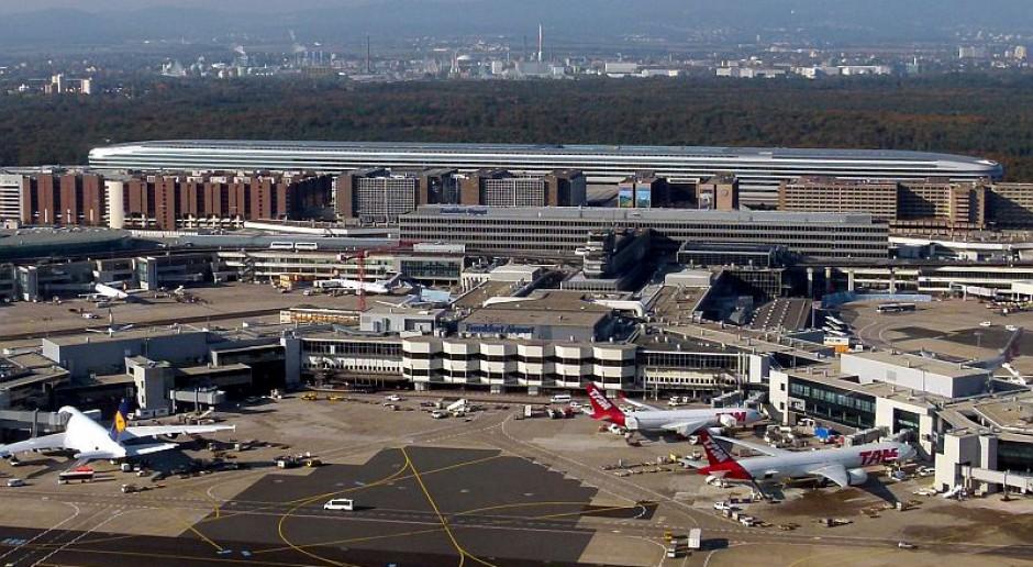 Domagają się równej płacy dla wszystkich zatrudnionych związanych z bezpieczeństwem lotniska we Frankfurcie