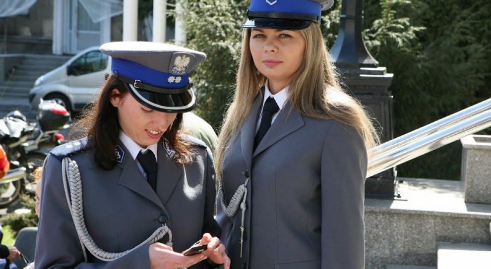 W służbach mundurowych przybywa kobiet. Wciąż jednak muszą walczyć ze stereotypami